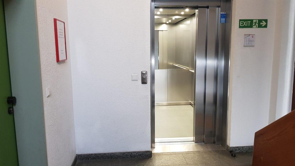 Aufzug Logopädie